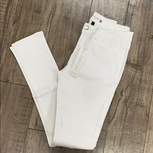 Nine planet white skinny jeans